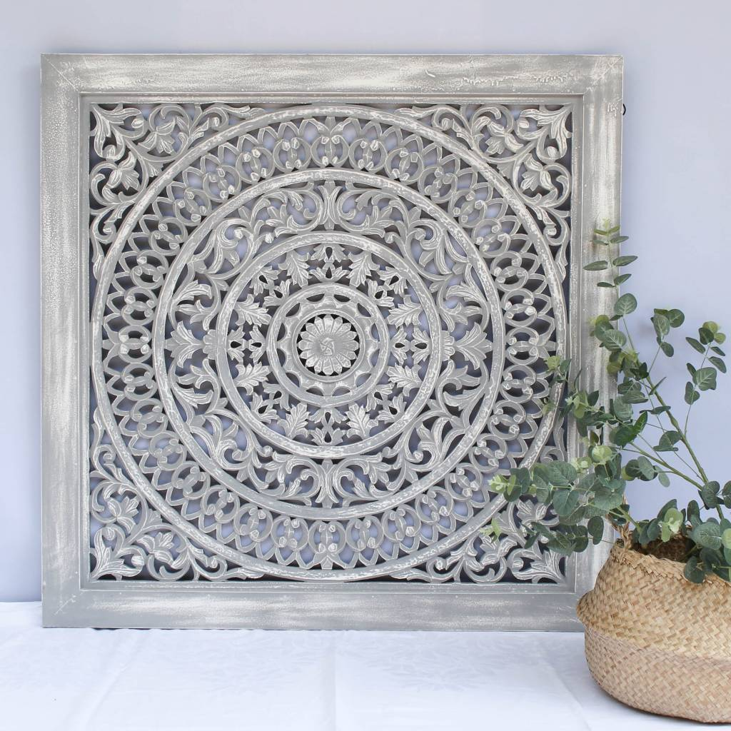 Handcarved wall decoration CIRCLE greywash