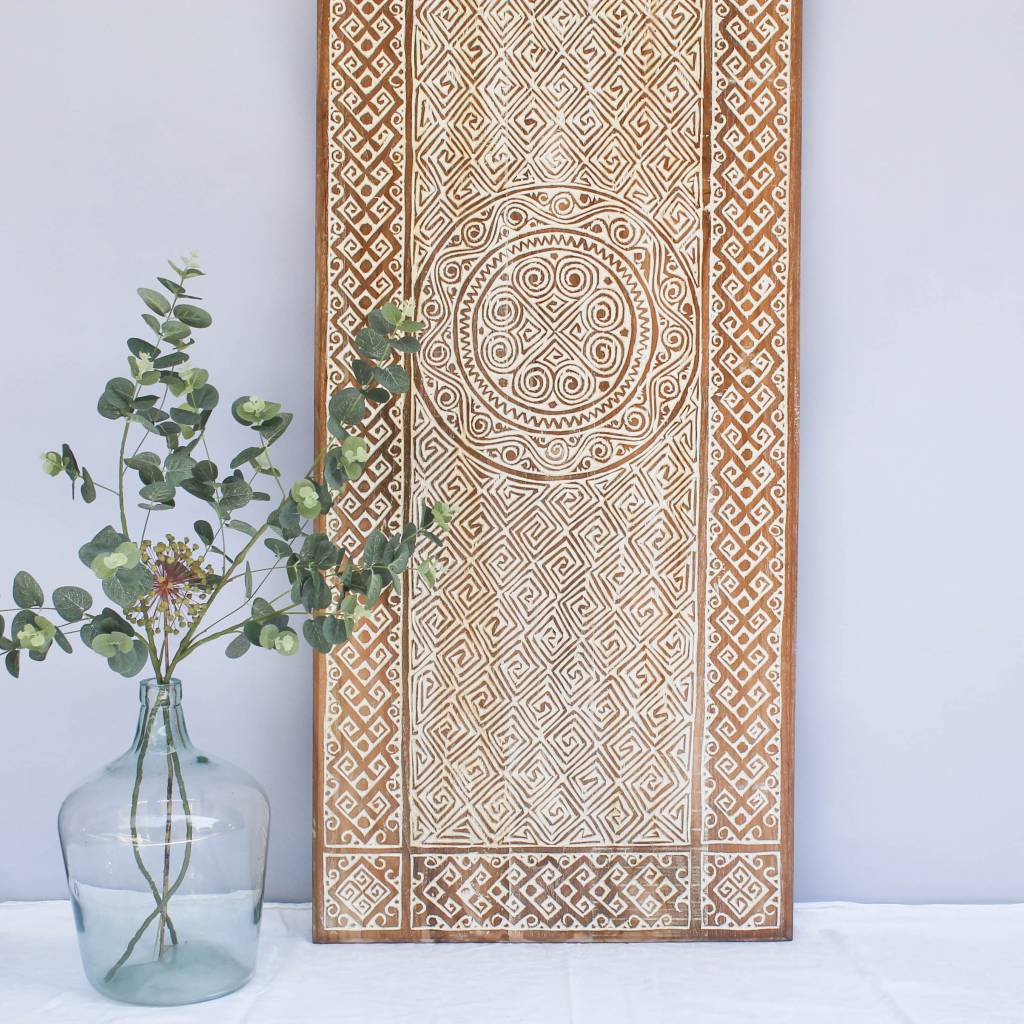 Hand carved wall panel TIMOR, long version ( 150x60cm), colour: natural white