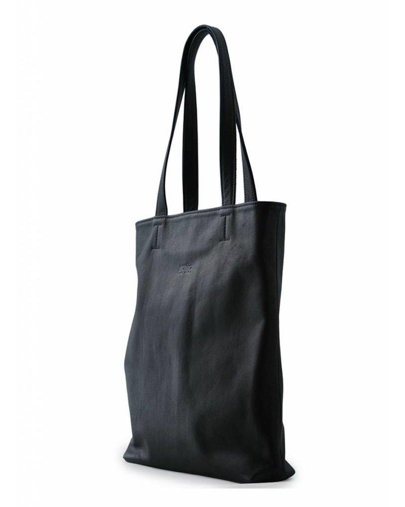 saskia thomson shopper black