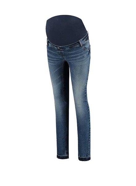 "Love2Wait Jeans Sophia Destroyed Bottom ""32"
