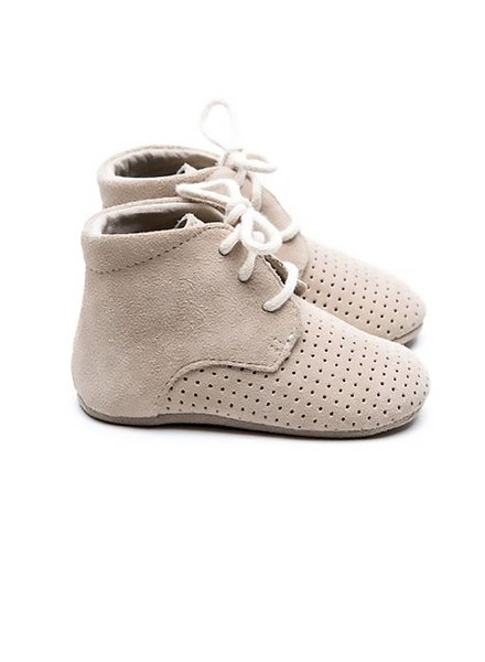 Mockies Boots Classic Perforated Beige