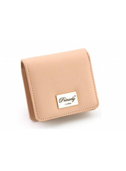 Wallet Kim nude