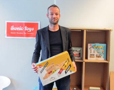 maurice doorduyn ontwerpt houten speelgoed