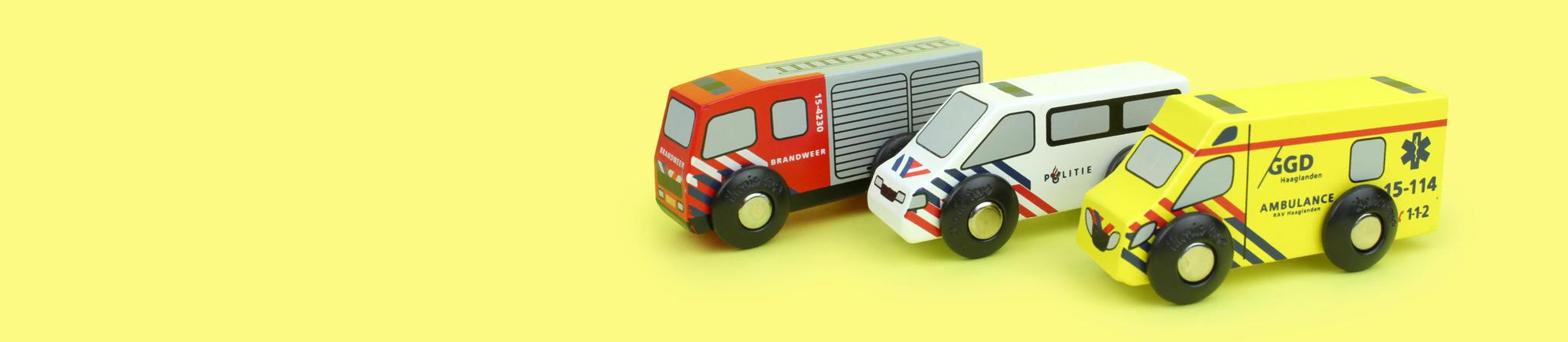 Houten politie auto, brandweer en ziekenauto