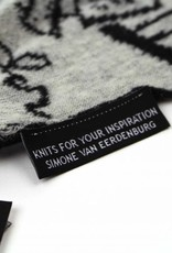 Knits For Your Inspiration Shawl'Women guide to Europe', Small - Fiep Westendorp