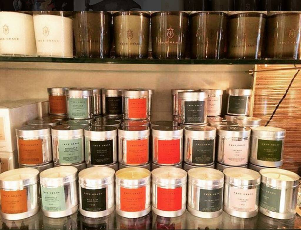 True Grace Walled Garden Candle in tin - Garden Rose
