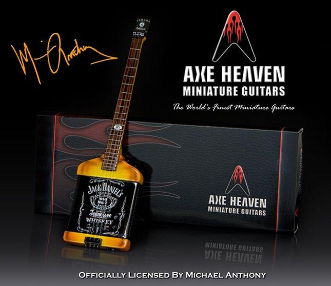 Hal Leonard Axe Heaven miniatuur gitaar   Mad Anthony Jack Daniels Electric Bass Model