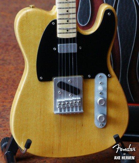 Hal Leonard Axe Heaven miniatuur gitaar   Fender™ Telecaster™- Butterscotch Blonde Finish
