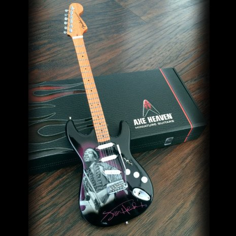 Axe Heaven Axe Heaven Miniatuur Gitaar | Officially Licensed Jimi Hendrix Mini Fender™ Strat™ Tribute Guitar Model