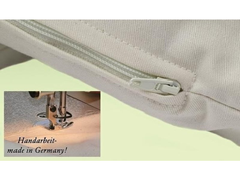 Mudis Mudis® kinderkussen met diverse kussenvullingen, inclusief kussensloop-ecru en prints. Afmeting 30x45.