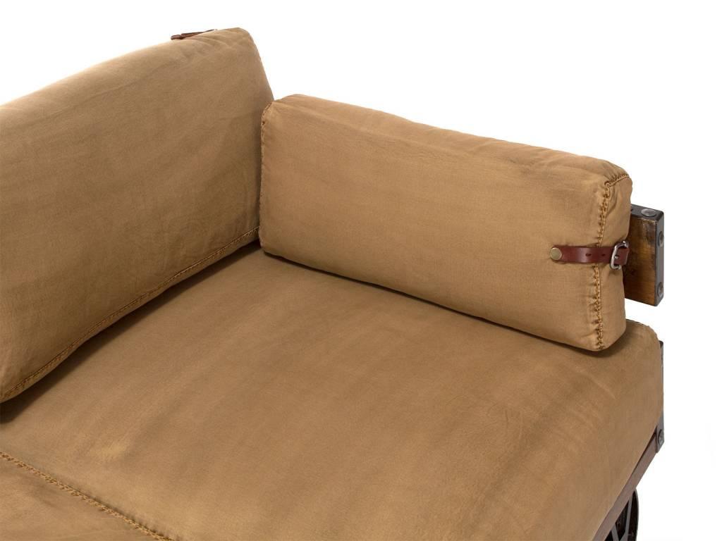 Sofa Im Industrie Design Auf Radern