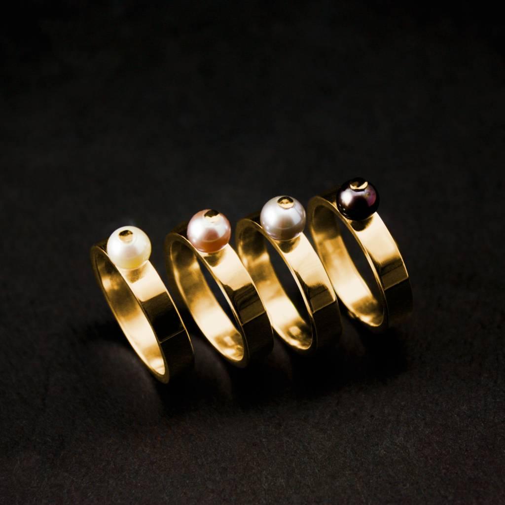 MARGRIET JEWELS Gouden damesring PAREL - Zwart