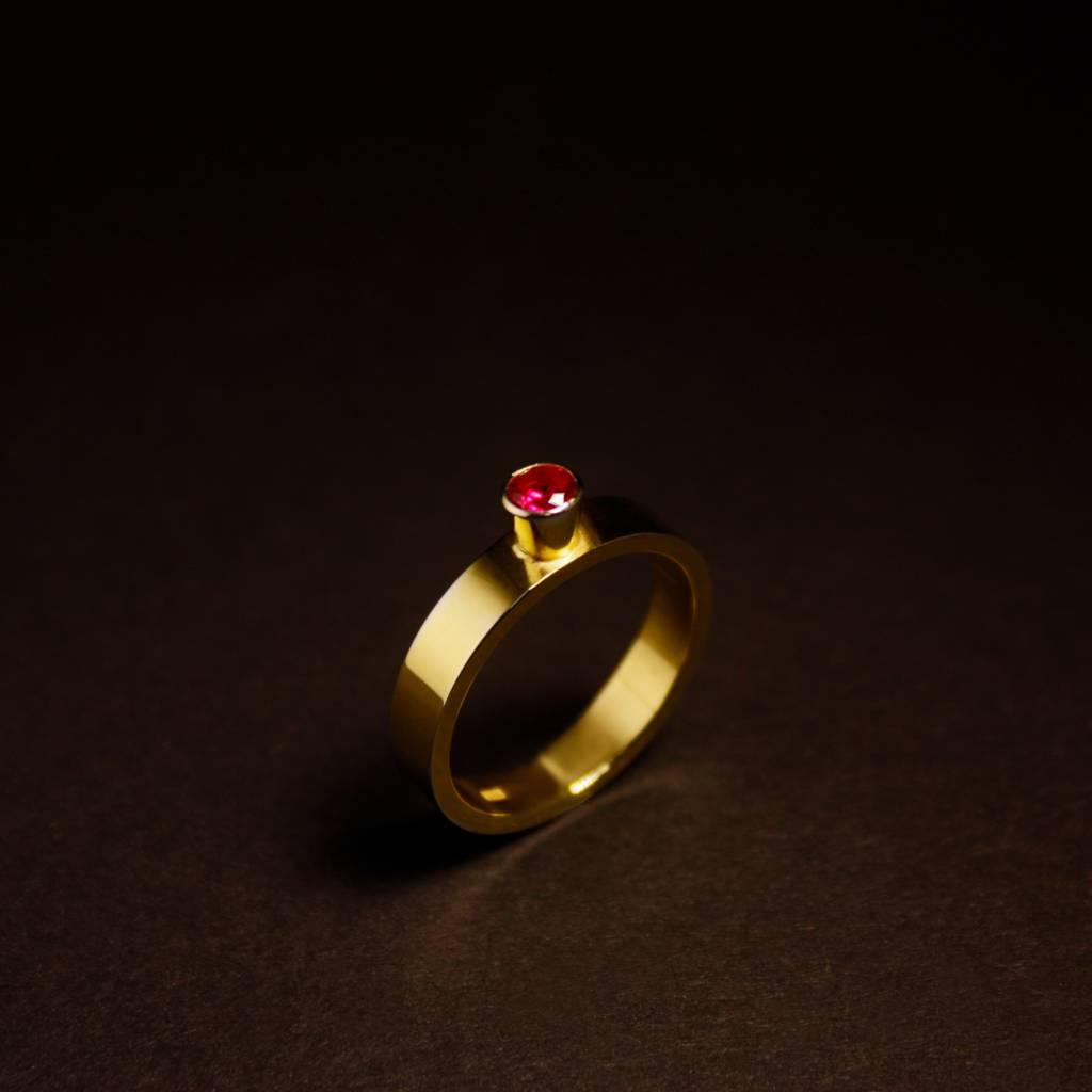 MARGRIET JEWELS Gouden damesring WARE LIEFDE - Robijn
