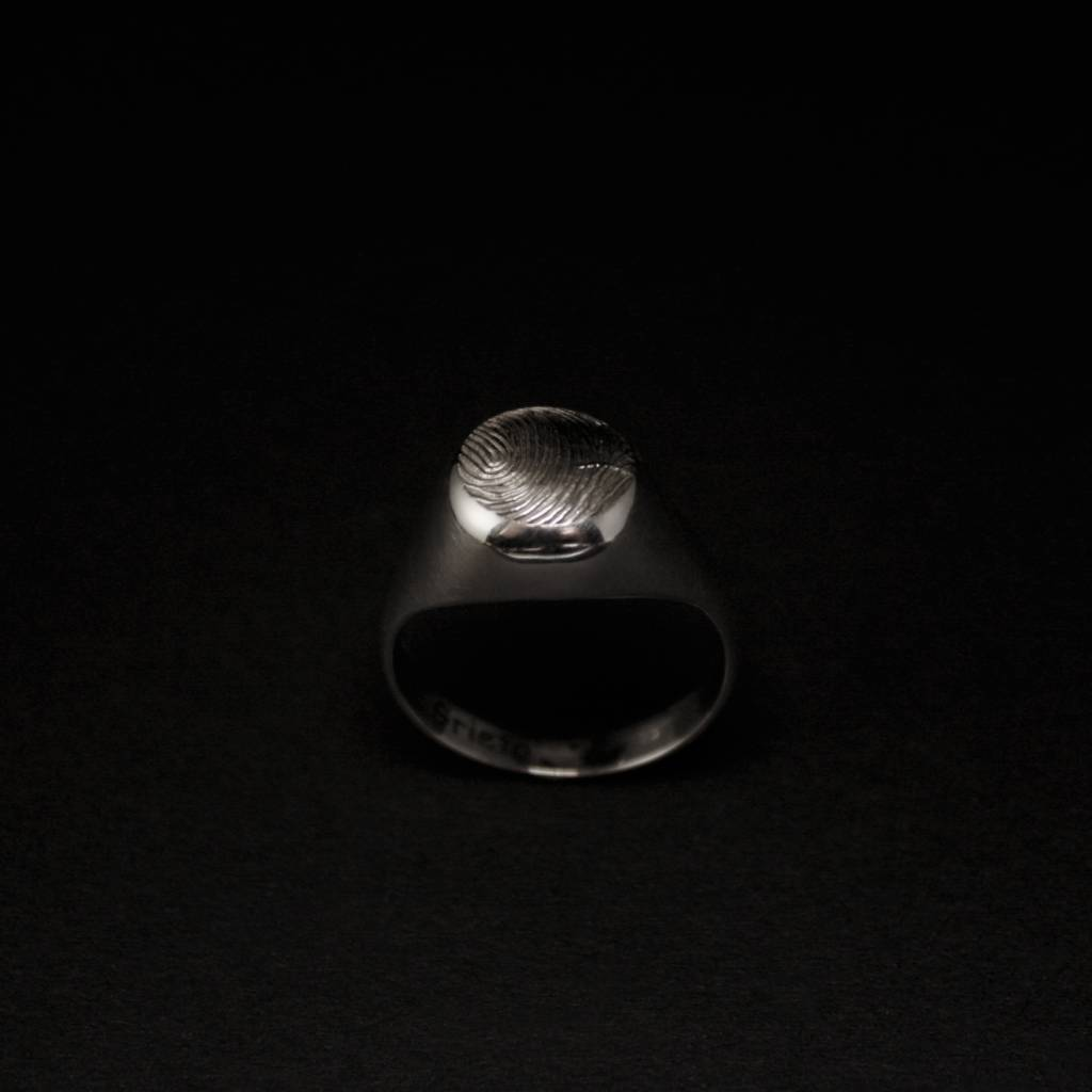 MARGRIET JEWELS Zilveren damesring ROND - met vingerafdruk