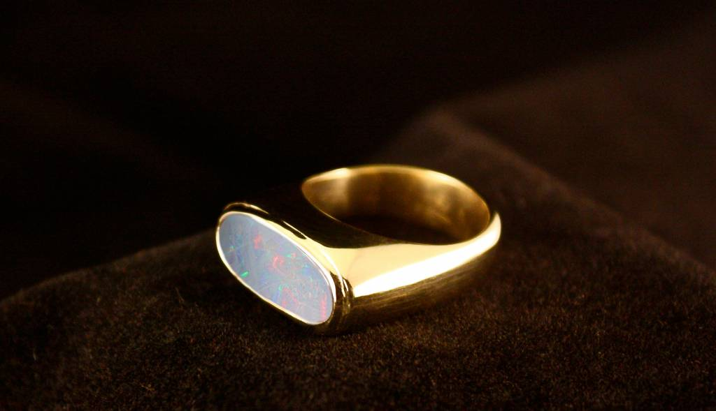 MARGRIET JEWELS Gouden asring GEM - Opaal