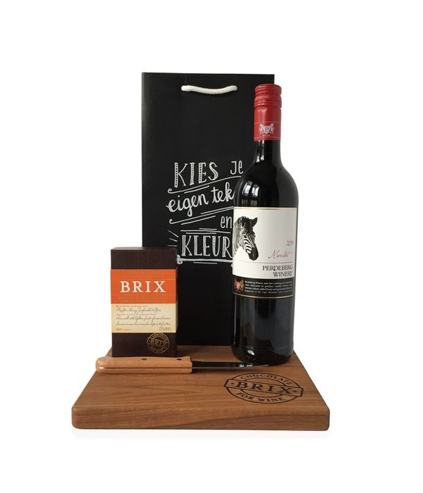 Cadeaupakket Chocolate and winelovers met houten plank