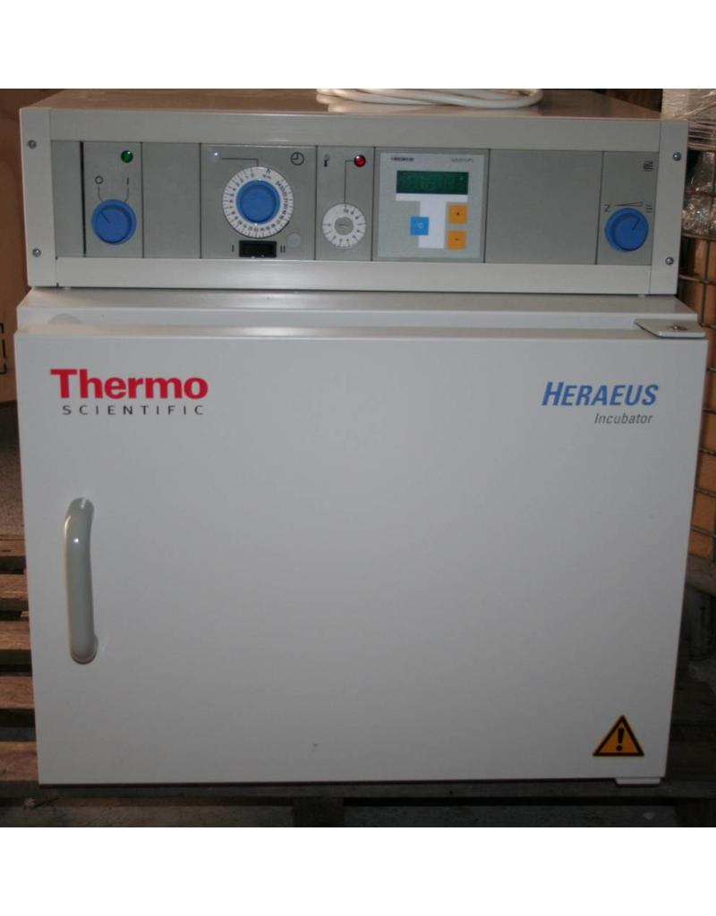 Thermo Scientific Thermo Heraeus B6030 Incubator