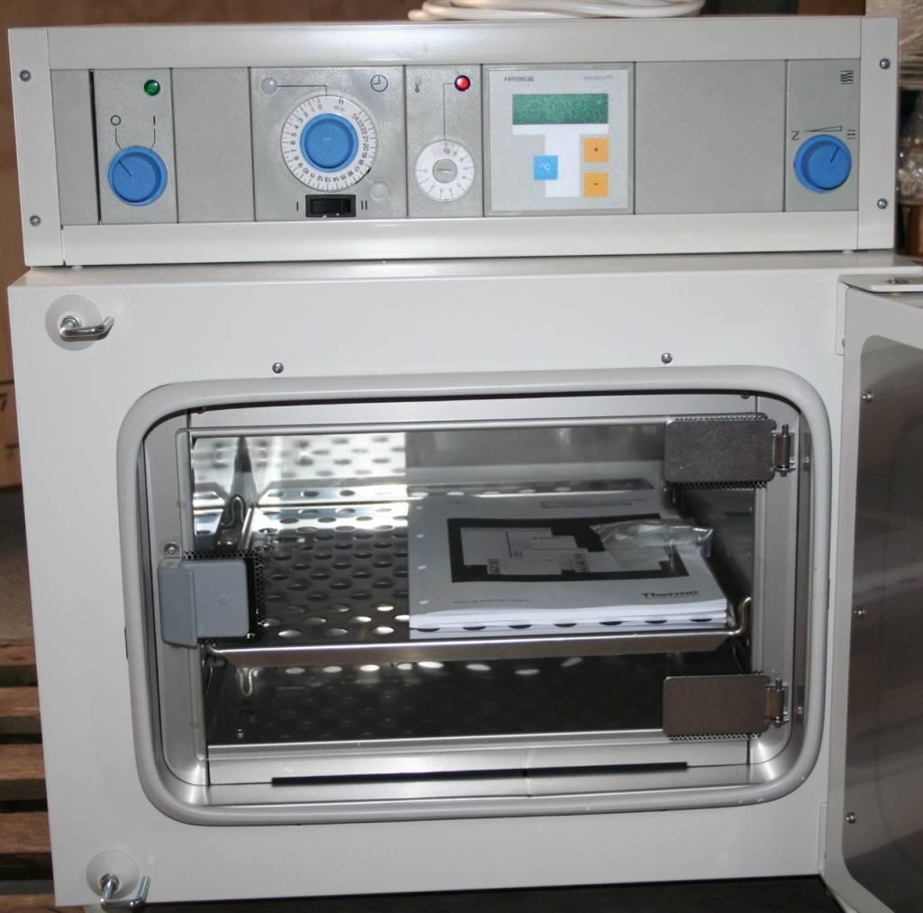 Thermo Scientific Thermo Heraeus B6030 Incubator