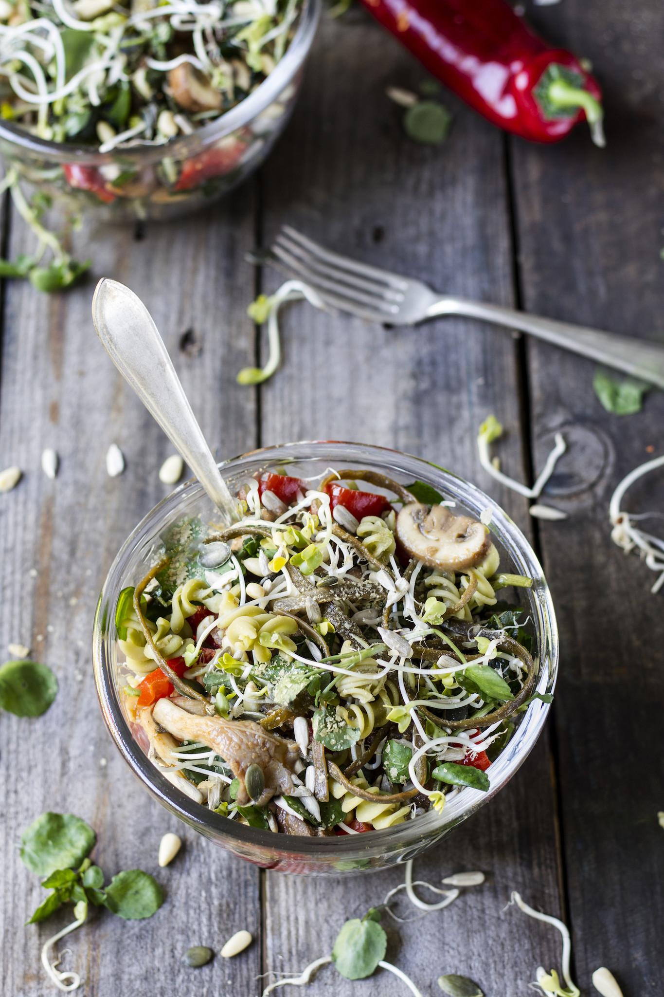Peulvruchten pasta bowl Rineke Dijkinga