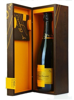Veuve Clicquot Ponsardin Vintage 1990 in giftbox 75CL