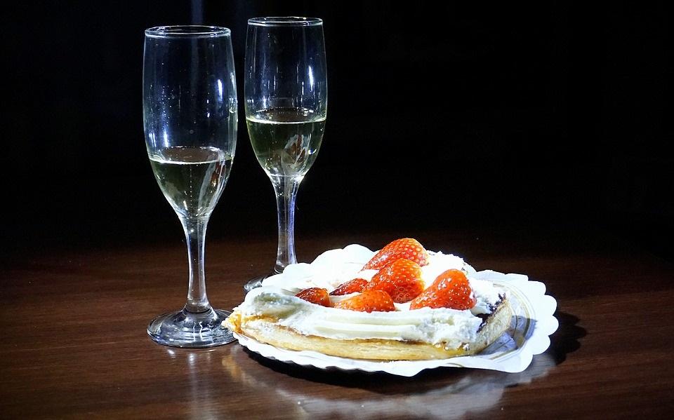 Champagne dessert
