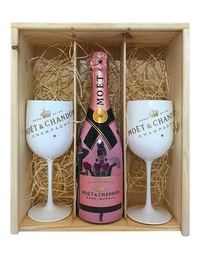 Moët & Chandon Unconventional Love Giftbox + 2 ICE