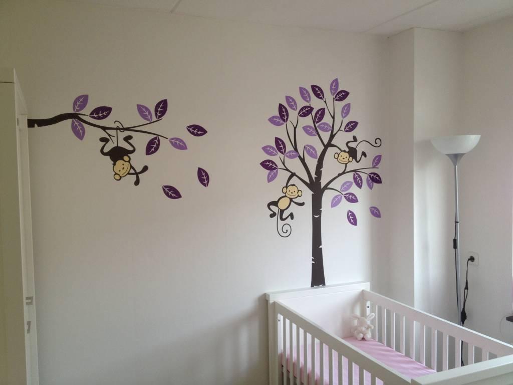 Lamp Kinderkamer Paars : Muursticker boom met aapjes muurstickers kinderkamer babykamer