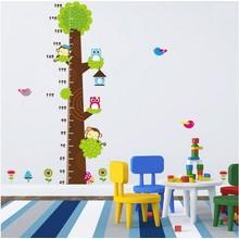 Muursticker groeimeter boom met aapjes en uiltjes