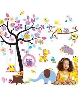 Muursticker boom met schommelende uiltjes, tak en andere diertjes