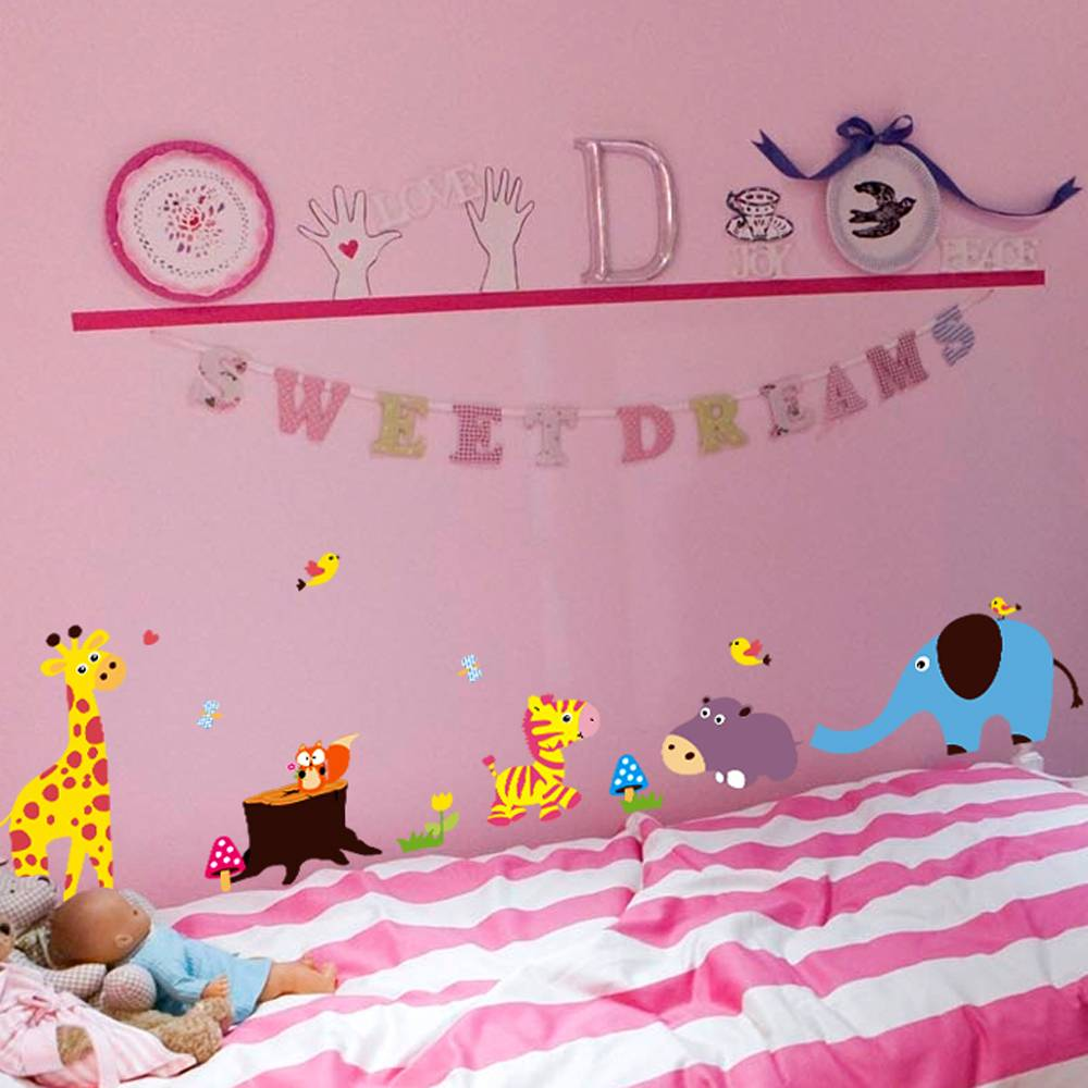 Muursticker lieve diertjes muurstickers kinderkamer for Baby room decoration wallpaper