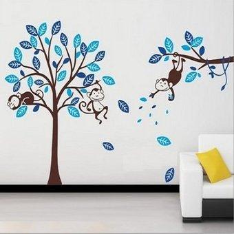 Muursticker blauwe boom met drie aapjes waarvan een slapende aap en twee wakkere apen (bruine stam)