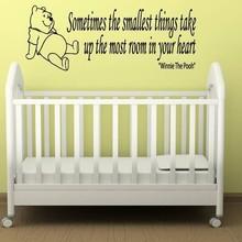 Muursticker winnie the pooh - sometimes the smallest things versie 2