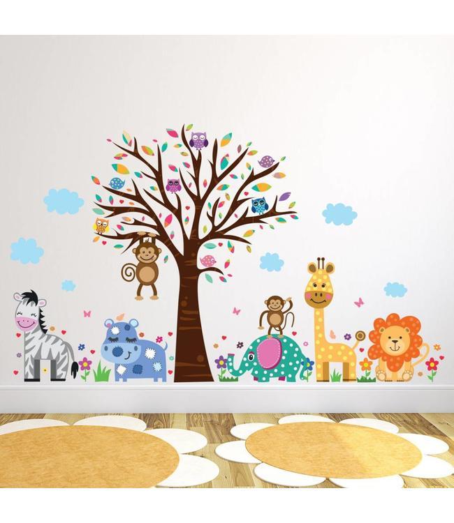Muursticker boom met lieve diertjes