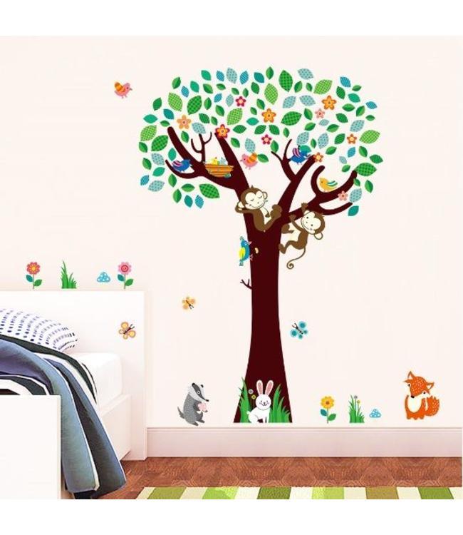 Muursticker boom met aapjes en andere diertjes