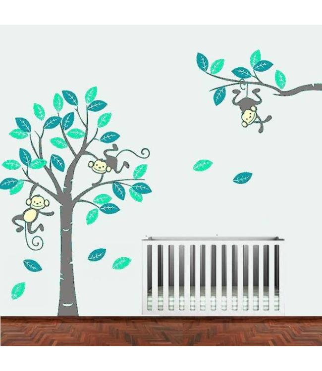 Muursticker boom met 3 slingerende aapjes mint-teal met grijze stam