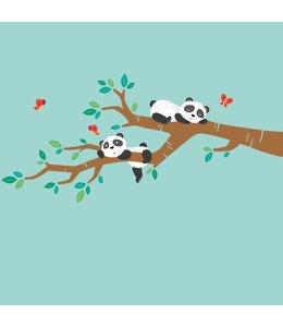 Muursticker lieve pandabeertjes op tak