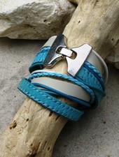 HanneHaves Stoere leren wikkel armband in turkoois/wit
