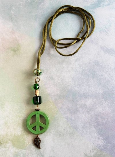 HanneHaves Ibiza ketting  Green Peace Leaf