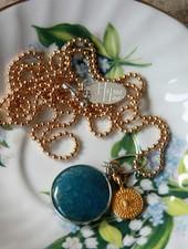 HanneHaves Lange ketting goud zilver Blue stone Agaat