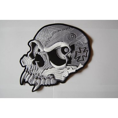 Skull with eyes 555 R