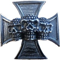 Skull and cross pin