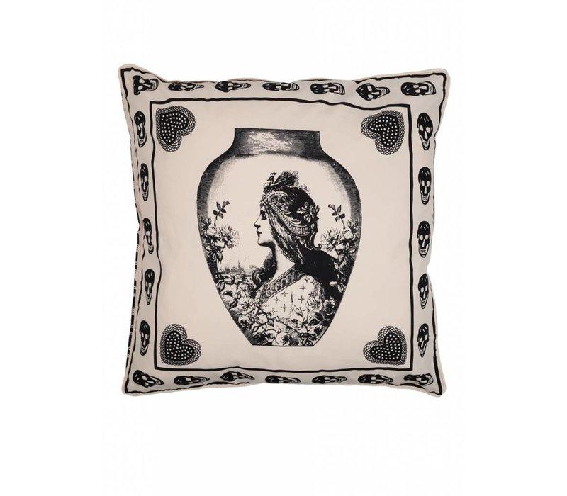 Antiek skull sierkussen ǀ Femme Riche ǀ Zwart wit