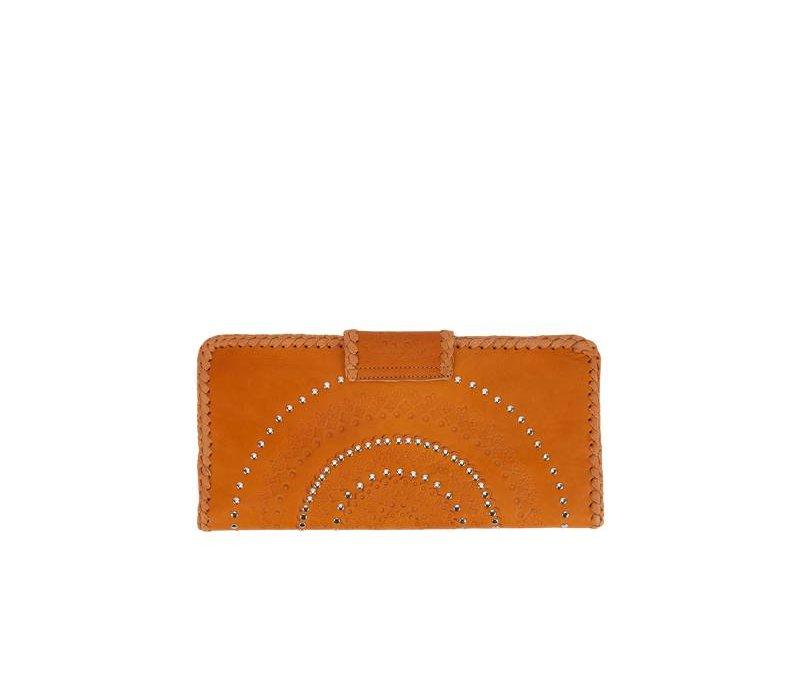 Uniek bewerkte Bruin Leren Clutch Mahiya Leather