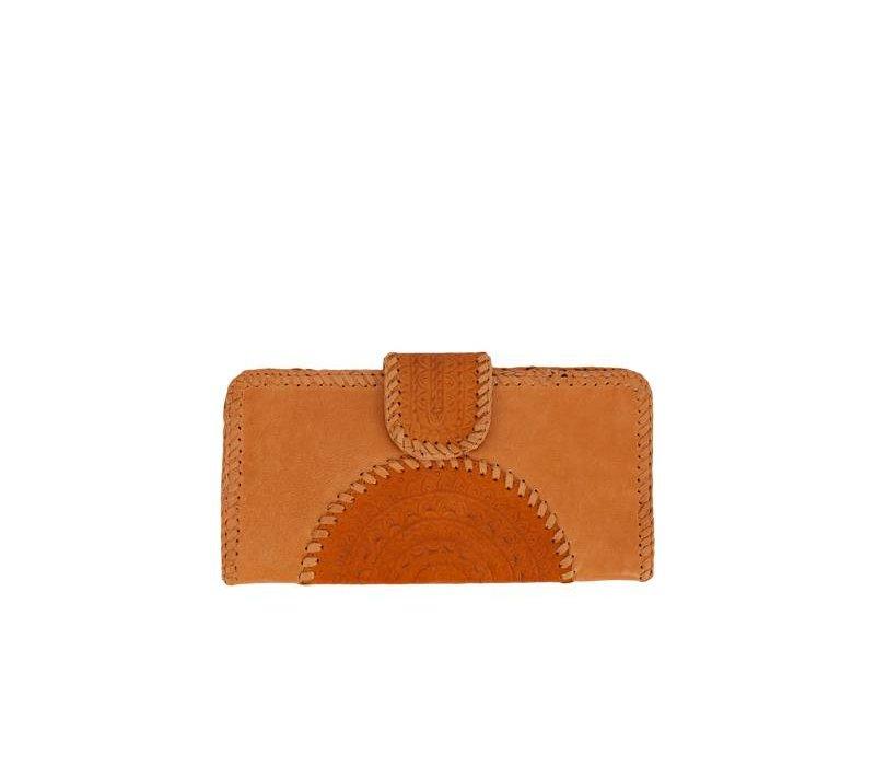 Handbewerkte Bruin Leren Clutch van Mahiya Leather