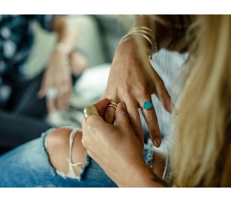 Gouden Ring Aria met Zeshoek Turquoise Edelsteen