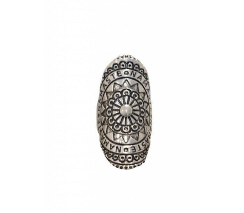 Grote Mandala Ring met Namaste Inscriptie