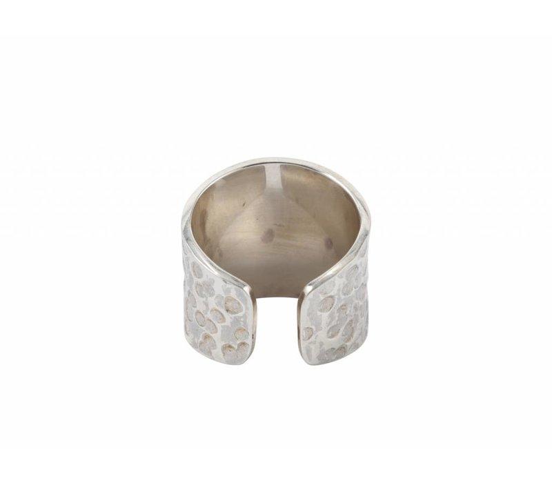 Gehamerde Zilveren Ring Sheila