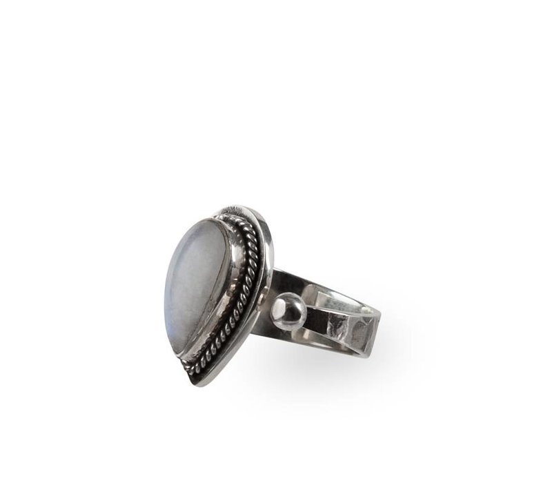 Stijlvolle Zilveren Ring  Regenboog Maansteen