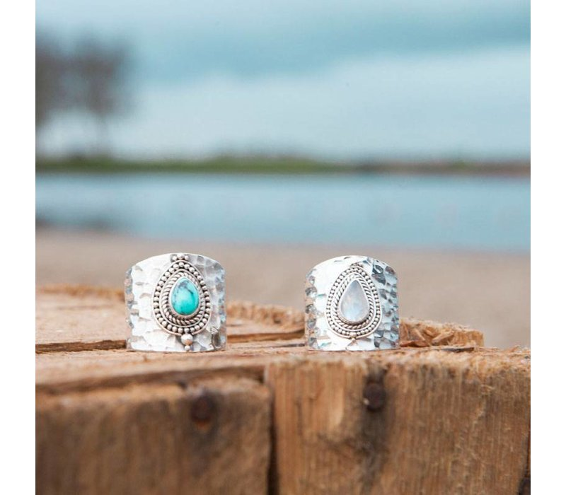 Sterling Silver Ring Sheila | Rainbow Moonstone