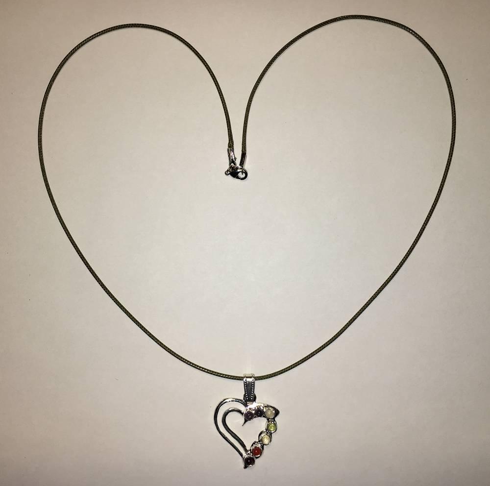 Mandisakura ketting zilverkleurig hart met 7 chakra stenen (60cm)